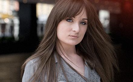 Video testimonial of Rachel with CNC hair prosthesis